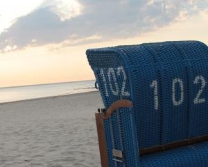 Strandbild mit Strandkorb